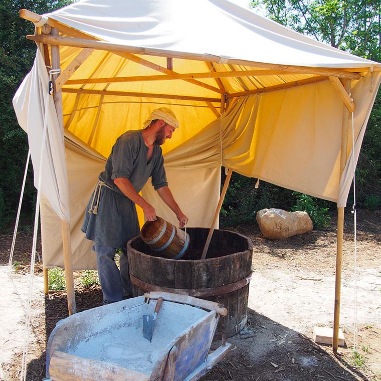 Montcornelles : brassage du mortier