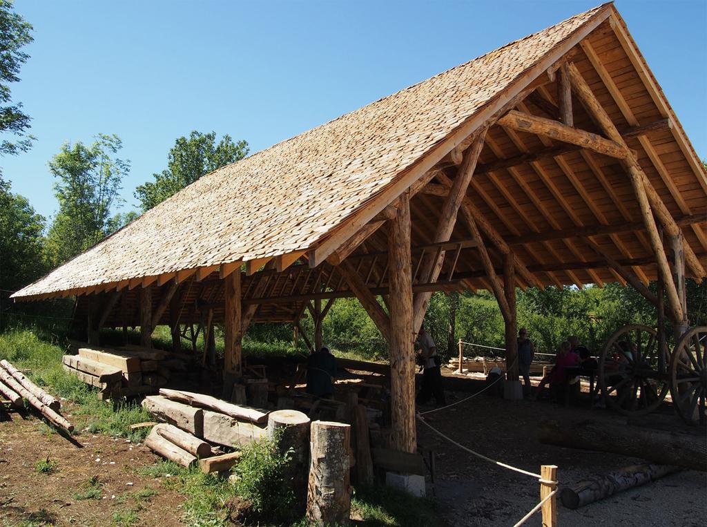 Loge charpentier Montcornelles