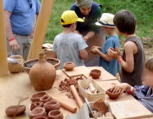 Montcornelles atelier poterie Chantier médiéval du Bugey